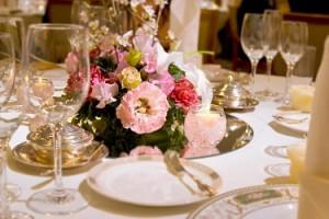 結婚式のお祝い代は経費になるのか